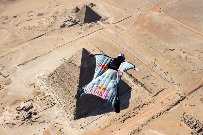 People 2560x1707 men sports parachutes jumping bird's eye view nature sand  flying helmet wingsuit desert Pyramids