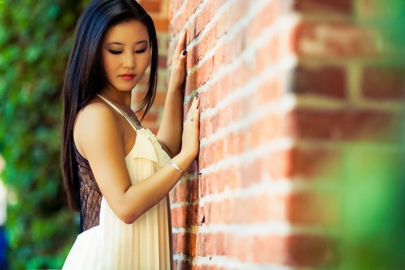 ... Cute asian girl HD Wallpaper 2560x1600