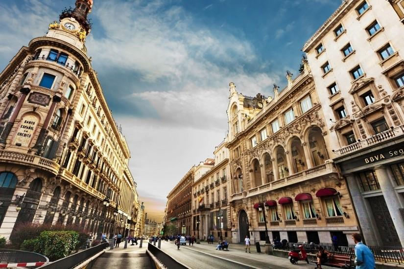 Preview wallpaper barcelona, city, building, street, people 1920x1080