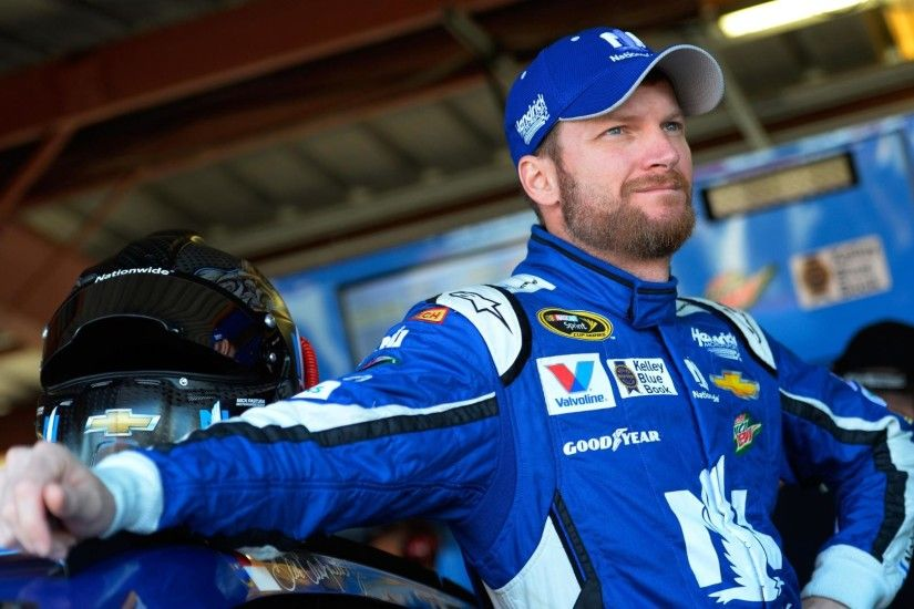 Dale Earnhardt Jr Returns to Racing