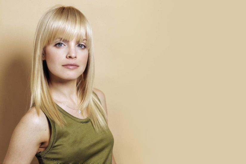 Mena Suvari wallpapers and stock photos