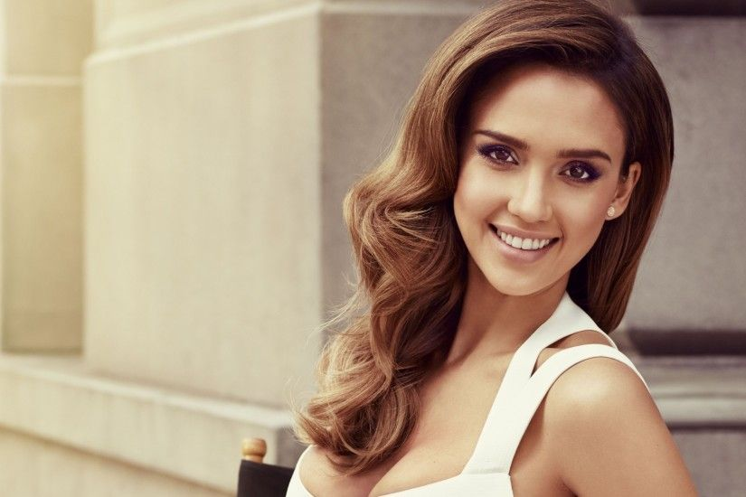 Celebrities / Jessica Alba Wallpaper