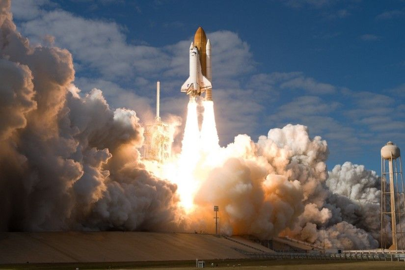Space Shuttle Discovery HD Wallpaper