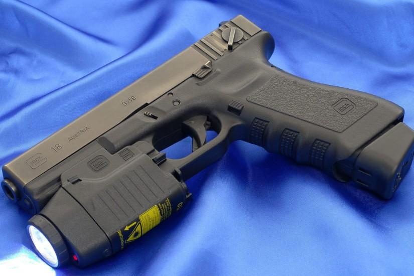 Glock 18 Automatic Pistol Wallpaper