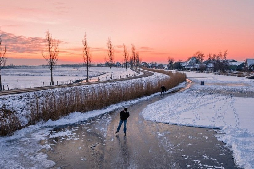 Skating Tag - Ice Skating Frozen River Holland Winter Road Town Skaters  Wallpaper Hd for HD