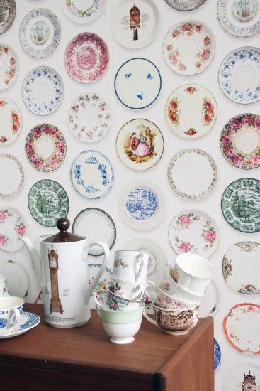 Wallpaper with porcelain tableware by Studio Ditte ...