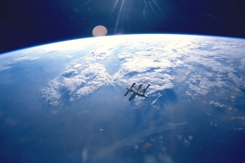 Space Station From Earth Desktop Wallpaper