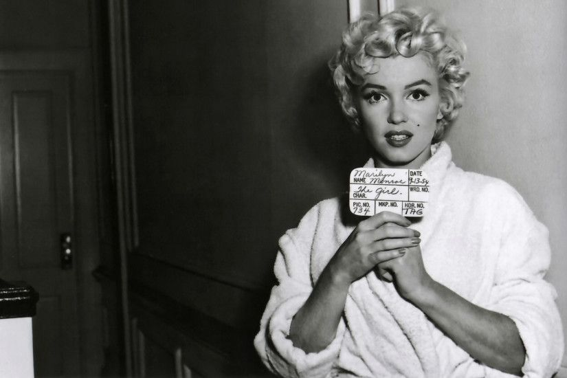 Celebrity - Marilyn Monroe Wallpaper