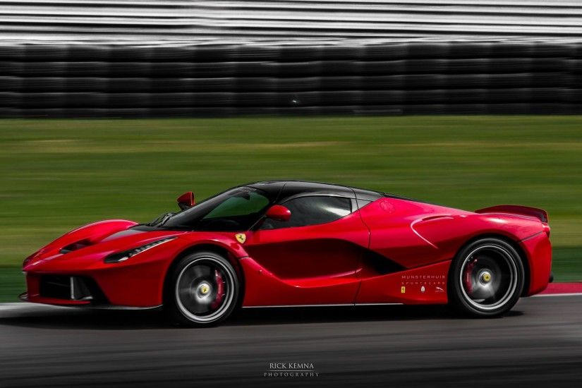 2015 Ferrari LaFerrari HD Images Wallpapers
