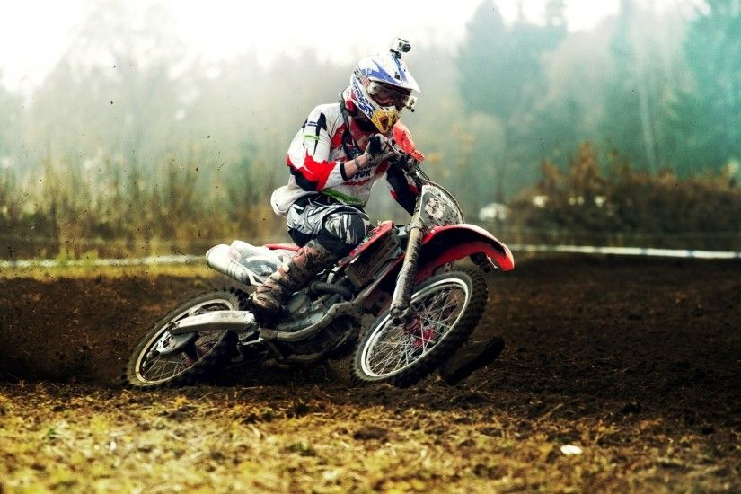 4. dirt-bike-wallpaper4-1-600x338
