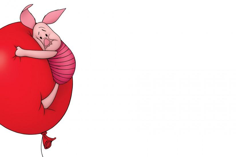 Piglet floating on a ballon from Winnie the Pooh wallpaper