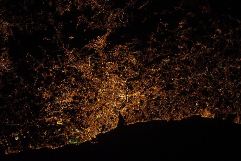 wallpaper night · NASA · Portugal · International Space Station